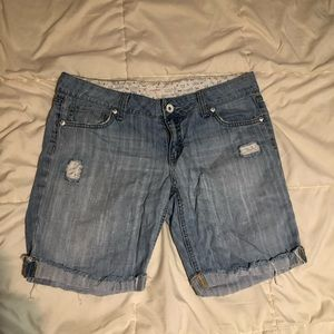 No boundaries jean shorts